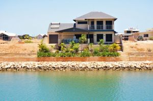 27 Corella Court - Exquisite Marina Home With a Pool and Wi-Fi - Carnarvon Accommodation