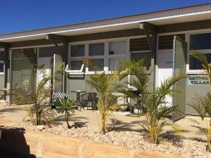 Getaway Villas Unit 38-9 - Carnarvon Accommodation