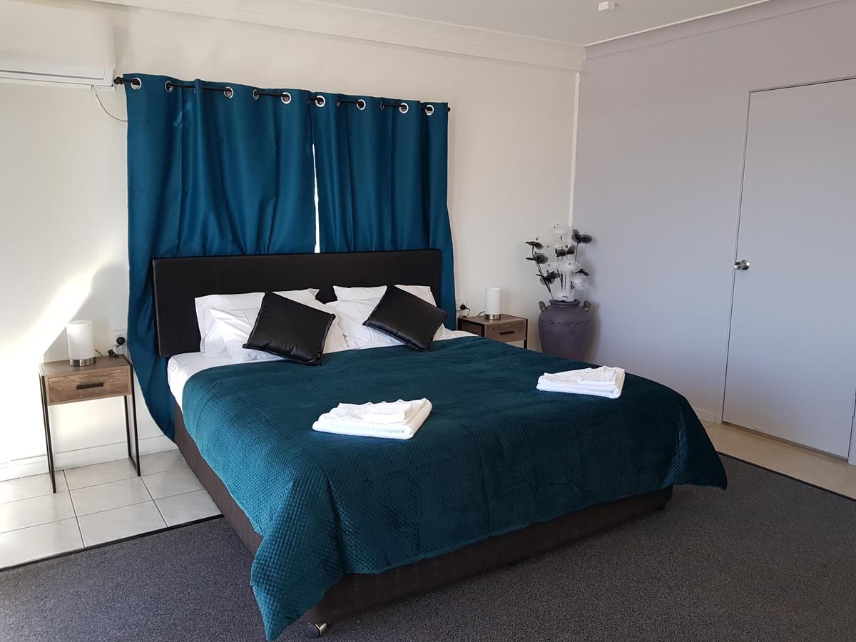 The Q Motel Rockhampton - Carnarvon Accommodation