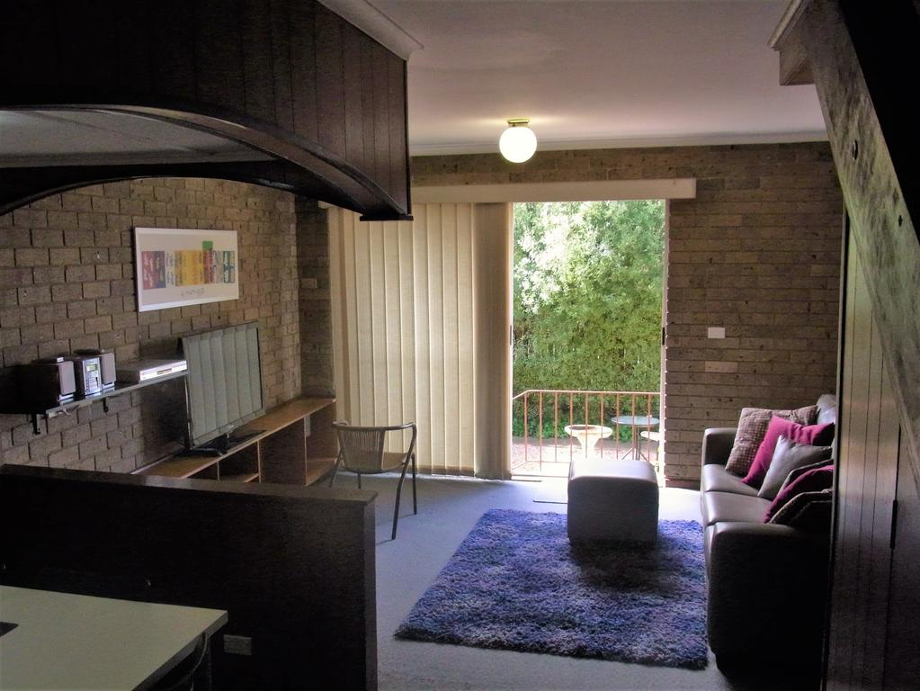 A Furnished Townhouse in Goulburn - Carnarvon Accommodation